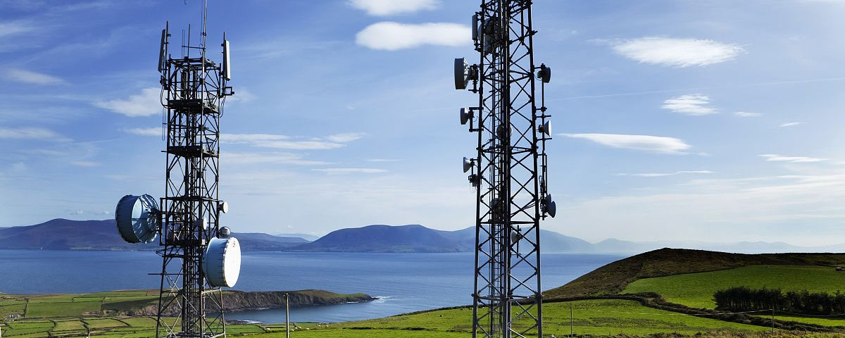 Wireless GSM Communication Monopole Tower